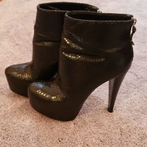 Alice and Olivia ankle booties